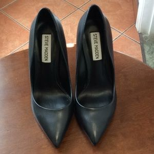 Shoes - STEVE MADDEN BLAK HEELS